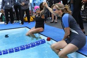 Nyad swims for superstorm Sandy victims